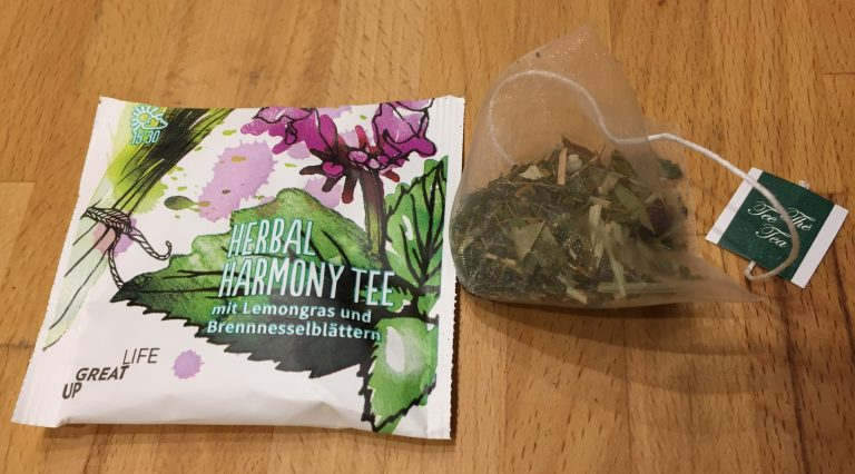 Deep Detox Box herbal Harmony Teepyramide