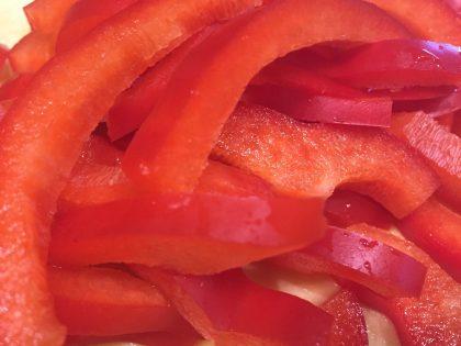 Paprika in Streifen geschnitten