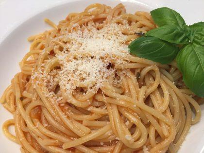 Tellerbild Barilla Spaghetti mit Tomate und Basilikum mit Parmesan