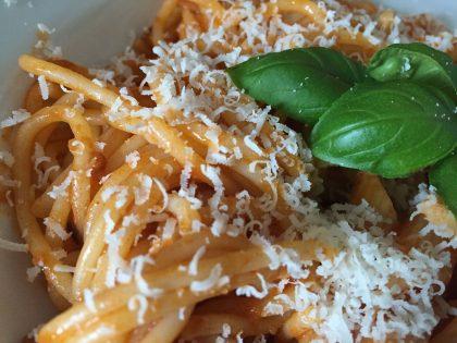 Barilla Spaghetti Bolognese mit Parmesan