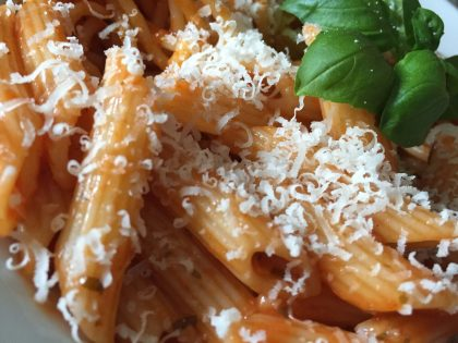 Barilla Penne Arrabbiata mit Parmesan