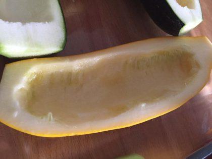 Zucchini ausgehöhlt