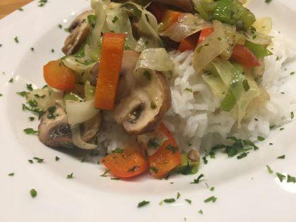 Rii Jii Basmatireis mit Gemüse aus dem Wok