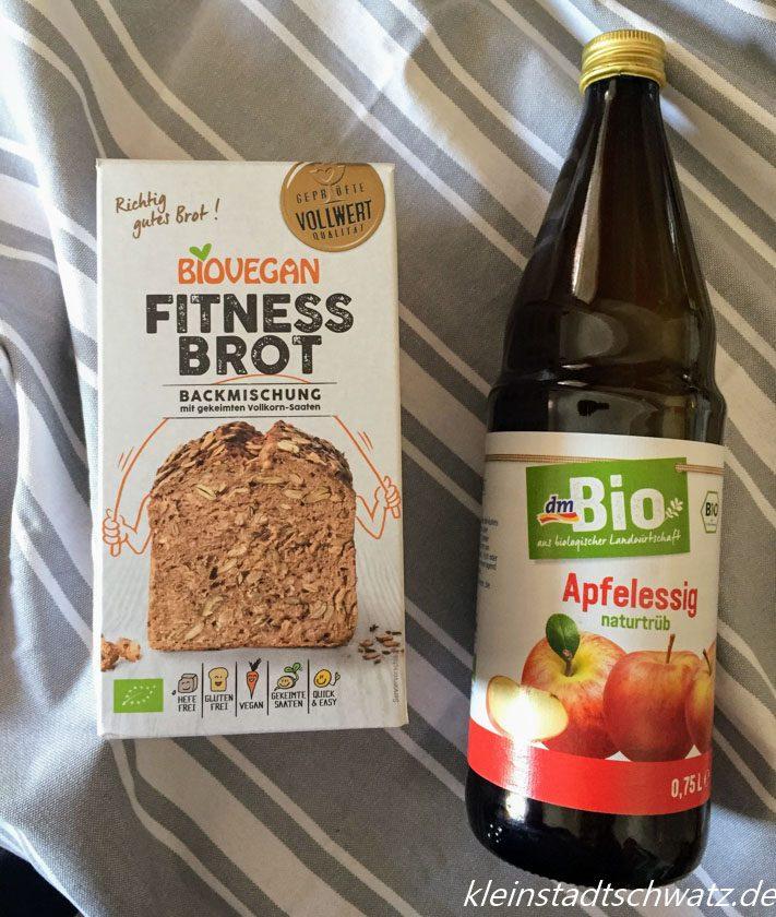 Biovegan Fitness Brot und Apfelessig von dm Bio