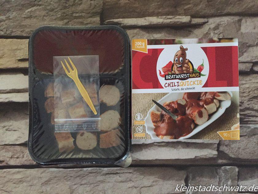 Curry Quickie Schale, Piekser und Pappmantel